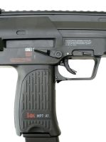 MP7 A1 AEG SEMI ET FULL AUTO H&K 0.5 JOULE + SA SANGLE + SA BATTERIE ET CHARGEUR + SON CHARGEUR